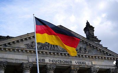 Deutschland und der Spatz in der Hand.